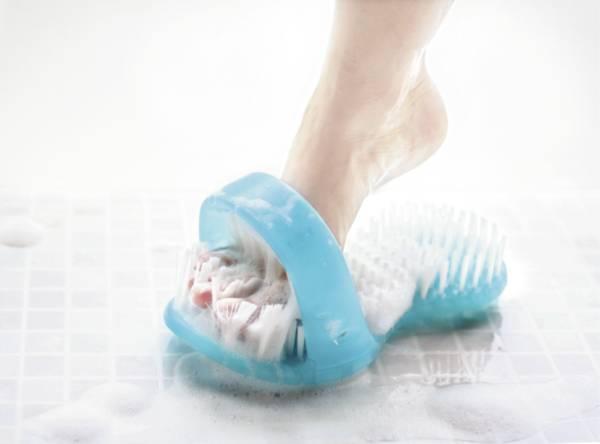 Brosse pour pieds - ShowerSandal™ | Autonomie & vie quotidienne