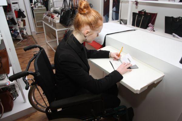 Aides à la mobilité / INNOtab - Tablette pour comptoir d'accueil